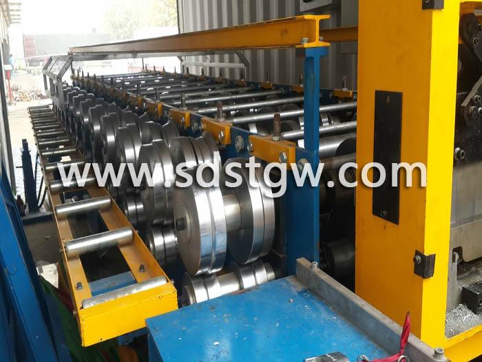 铝镁锰板压型机直板机