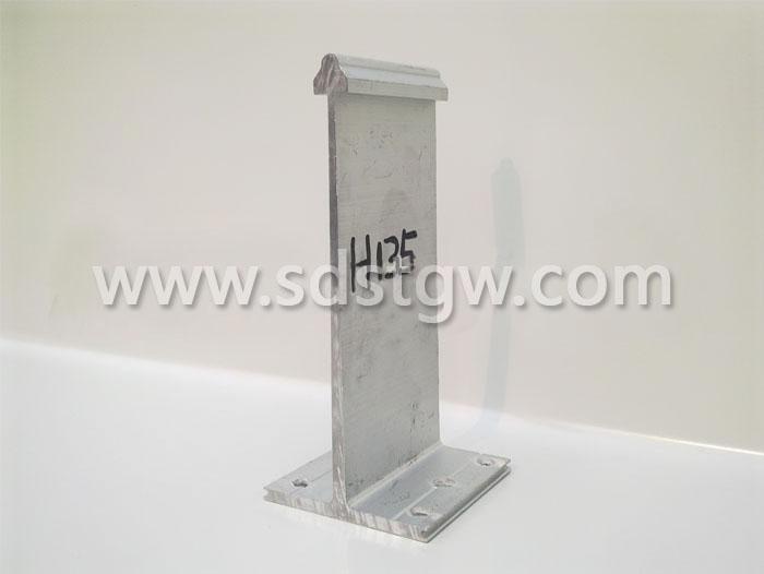 H135铝镁锰板支座