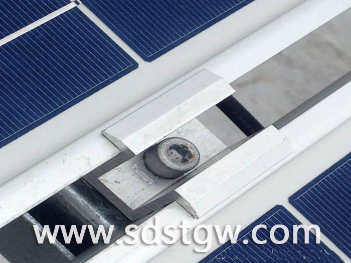 太阳能光伏电池中压块安装